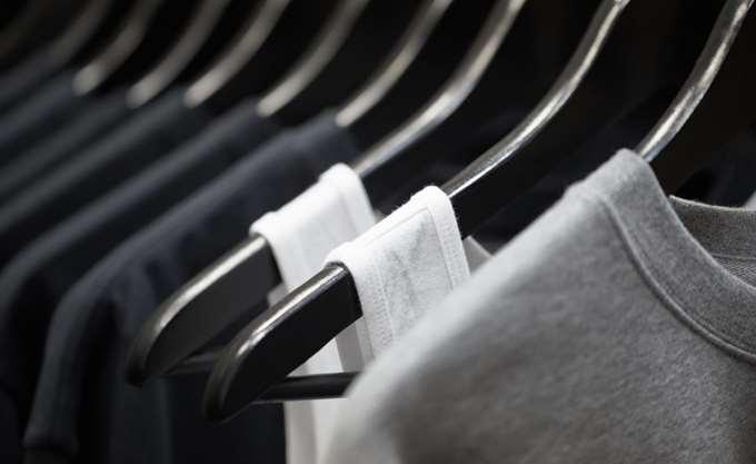 ΑΑΔΕ: Μεγάλη φοροδιαφυγή σε εμπορία κινεζικών ρούχων