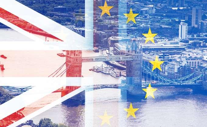 Brexit: Μέι και Φόστερ διαπραγματεύονταν μέχρι το πρωί