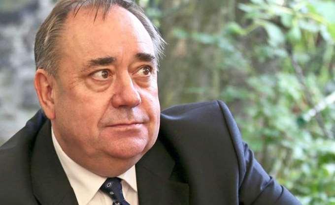 Σκωτία: Για απόπειρα βιασμού κατηγορείται ο τέως πρωθυπουργός Άλεξ Σάλμοντ