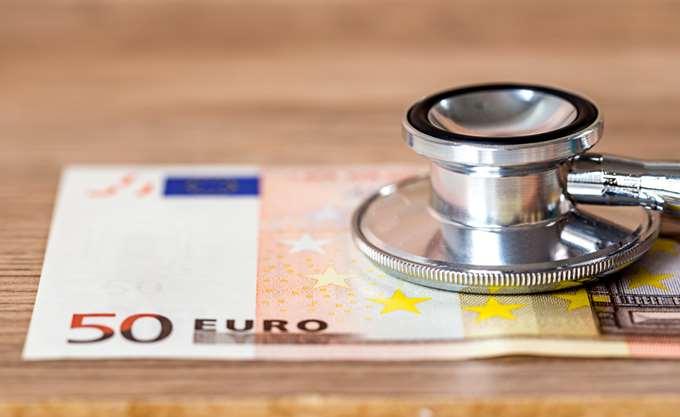 1 στους 2 πολίτες δυσκολεύεται να καλύψει τις δαπάνες υγείας