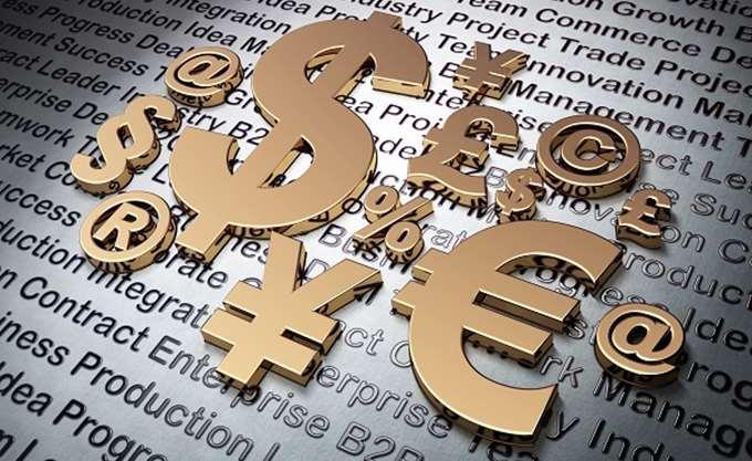 Ράλι για το δολάριο εν αναμονή Τραμπ, στο χαμηλότερο επίπεδο φέτος το ευρώ