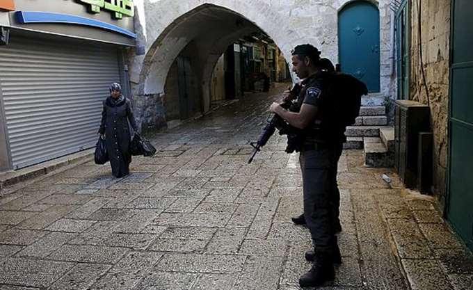 Ένας Παλαιστίνιος νεκρός αφού προσπάθησε να χτυπήσει Ισραηλινούς στρατιώτες με το αυτοκίνητό του