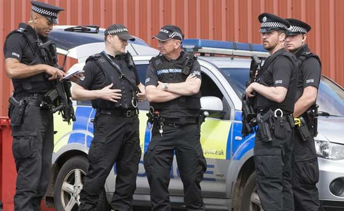 Εδιμβούργο: Εντοπίστηκε ύποπτο πακέτο - Εκκενώνεται κτίριο