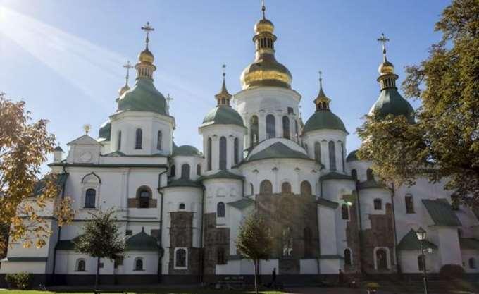 Μια εκκλησιαστική διαμάχη αναδύεται στην Ουκρανία