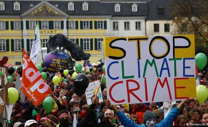 """""""Προστατέψτε το κλίμα, stop στον άνθρακα"""": Στους δρόμους οι Γερμανοί εν όψει της Διάσκεψης για το Κλίμα"""