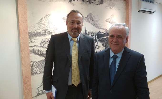 Συνάντηση Δραγασάκη με τον πρέσβη της Γαλλίας