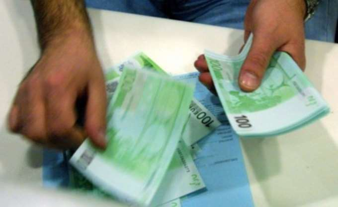 """""""Φιάσκο"""" η ελάφρυνση των capital controls για αναλήψεις μετρητών"""