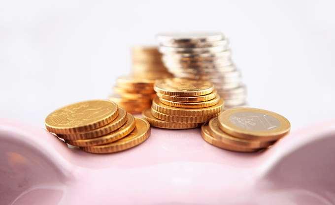 Αναδρομικά έως 360.000 ευρώ ζητούν συνταξιούχοι βουλευτές