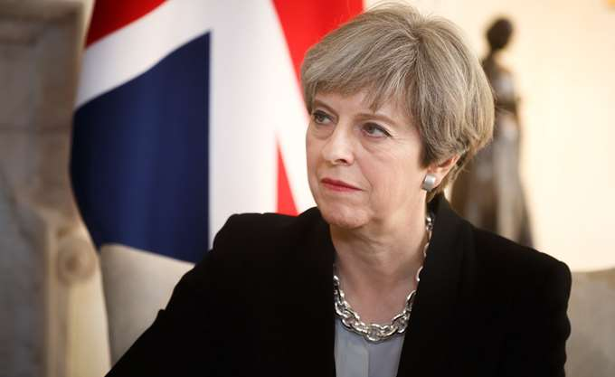 Mέι: Προτιμά ένα Brexit χωρίς συμφωνία παρά τον τεμαχισμό του Ηνωμένου Βασιλείου