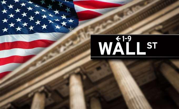"""Πτωτικές τάσεις """"απειλούν"""" τα κέρδη της εβδομάδας στην Wall Street"""