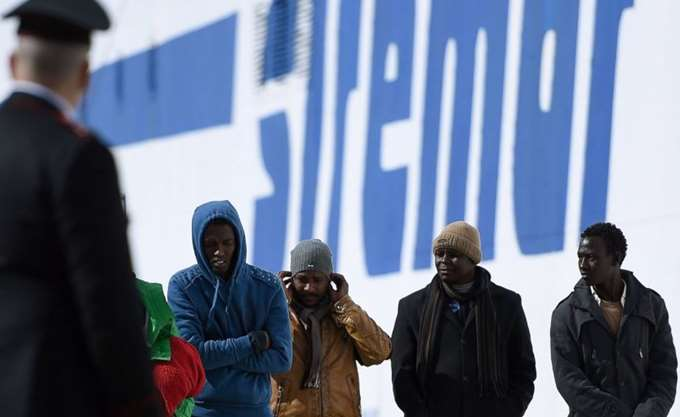 Ιταλία: Σύγκρουση Μακρόν-Σαλβίνι για το προσφυγικό