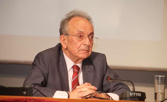 Η πολιτειακή ηγεσία και ο πολιτικός κόσμος αποχαιρέτησαν τον Δημήτρη Σιούφα