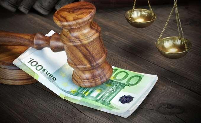 Μπαράζ κατασχέσεων και ρυθμίσεων για να γεμίσουν τα κρατικά ταμεία