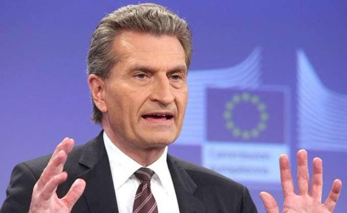 Γκ. Ετινγκερ: Ο Λουξεμβούργιος παίρνει 60.000  κι ο Βούλγαρος 6.000 τον χρόνο