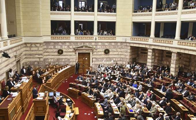 Ξεκίνησε στη Βουλή η δεύτερη μέρα συζήτησης του προϋπολογισμού