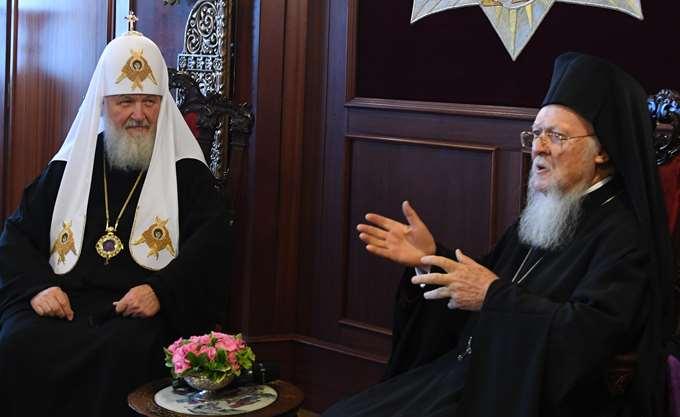 """Η Ρωσική Εκκλησία """"απαντά"""": Η Μόσχα έρχεται σε ρήξη με την Κωνσταντινούπολη"""
