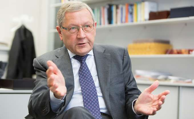 Ρέγκλινγκ: Η Ελλάδα πρέπει να κανει ό,τι μπορεί για να κερδίσει την εμπιστοσύνη των επενδυτών