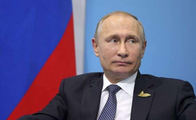 Τον Μαχμούντ Αμπάς δέχτηκε στο Κρεμλίνο ο Πούτιν