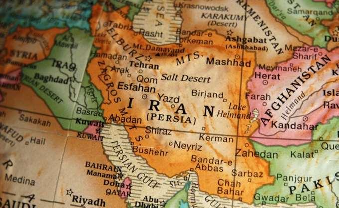 Ιράν: Η Τεχεράνη παρουσίασε ένα νέο μαχητικό αεροσκάφος