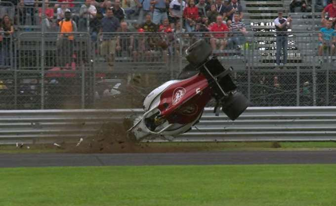 F1: Εντυπωσιακό τρακάρισμα στις δοκιμές