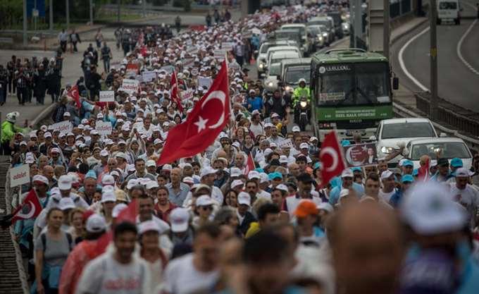 Κωνσταντινούπολη: 84 συλλήψεις στο πλαίσιο των αυστηρών μέτρων ασφαλείας