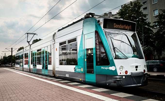 Γερμανία: Άρχισε τα δοκιμαστικά δρομολόγια το πρώτο στον κόσμο αυτόνομο τραμ