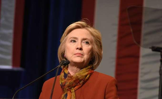 """ΗΠΑ: Η Χίλαρι Κλίντον μιλάει για μια """"περίοδο αναταράξεων"""" στη χώρα"""