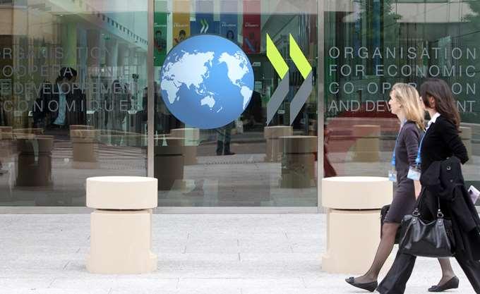 """ΟΟΣΑ: """"Καμπανάκι"""" από τους μελλοντικούς δείκτες ανάπτυξης"""