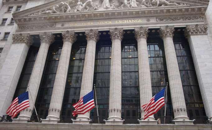 Με μικτά πρόσημα τα futures της Wall Street