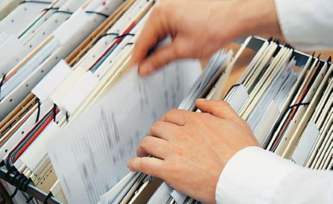 ΥΠΕΝ: Το χαρτί επέστρεψε στις περιβαλλοντικές αδειοδοτήσεις