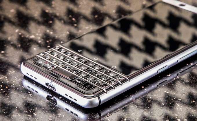 BlackBerry: Καλύτερα των προσδοκιών κέρδη και έσοδα