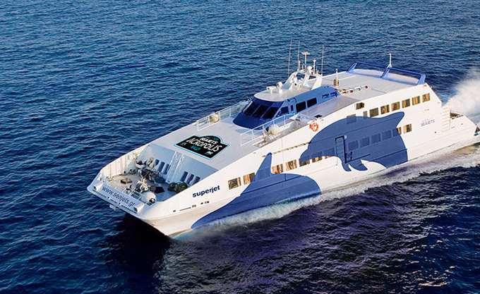 Στο λιμάνι της Άνδρου με ιδιωτικά σκάφη 46 επιβάτες του ANDROS JET