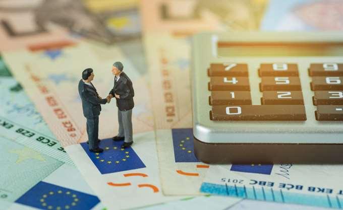 Στα 3 δισ. ευρώτα φέσια του Δημοσίου τον Μάιο