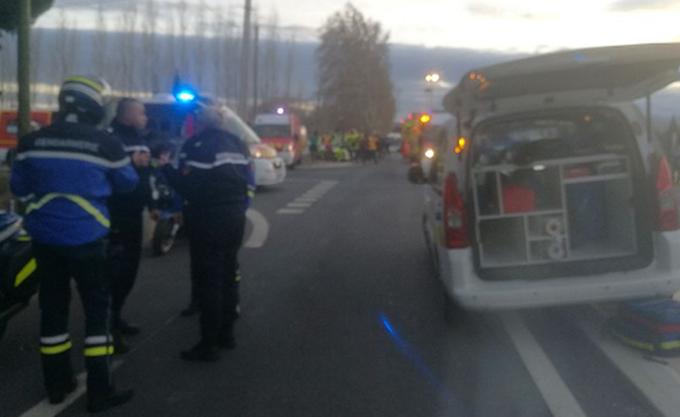 Θανατηφόρα σύγκρουση τρένου με σχολικό λεωφορείο στη Γαλλία