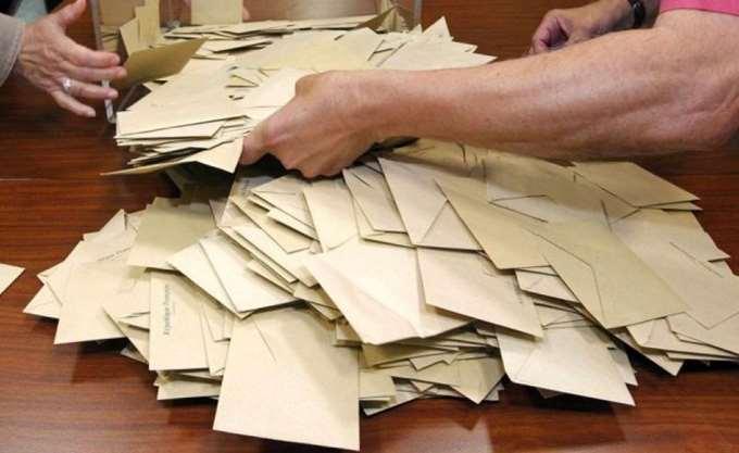 Κύπρος: Κρίσιμες διαβουλεύσεις για τον β' γύρο των προεδρικών εκλογών