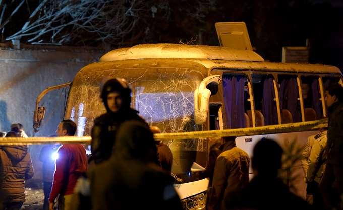 Αίγυπτος: Τέσσερις νεκροί από βομβιστική επίθεση κατά τουριστικού λεωφορείου