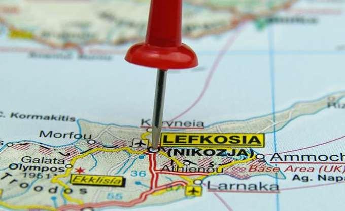 """Κυπριακό: Χρειάζεται χρόνος για να ξεκαθαρίσει το ζήτημα των """"όρων αναφοράς"""", εκτιμά η πλευρά του Μ. Ακιντζί"""