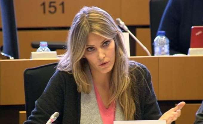 """Εύα Καϊλή: """"Η Συμφωνία δεν μπορεί να περάσει με αγορασμένες πλειοψηφίες"""""""