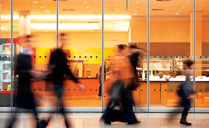Βρετανία: Αμετάβλητες οι πωλήσεις λιανικής τον Απρίλιο
