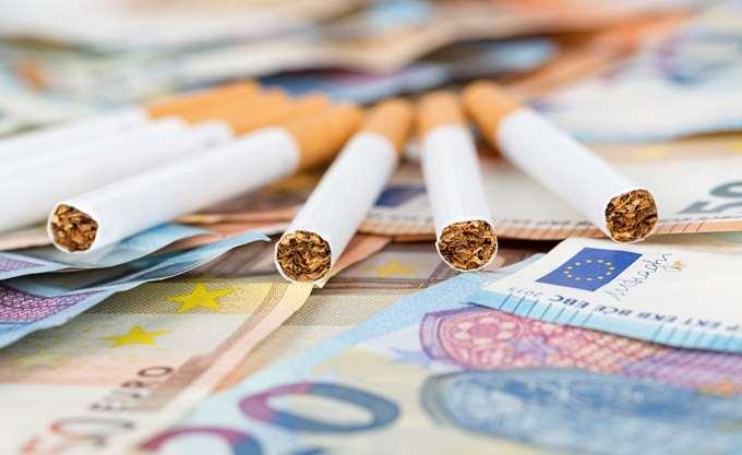"""""""Τρύπα"""" στα κρατικά έσοδα από το λαθρεμπόριο τσιγάρων"""