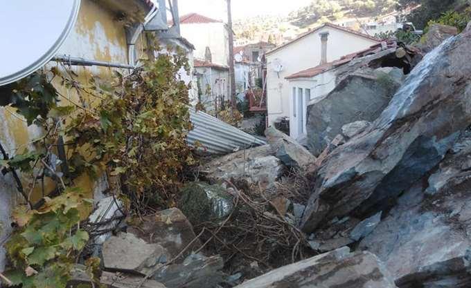 Εκκενώνεται τμήμα του οικισμού του Πλωμαρίου Λέσβου που επλήγη από τις κατολισθήσεις