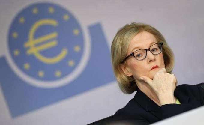 Νουί: Οι ελληνικές τράπεζες πρέπει να κόψουν περισσότερα NPLs