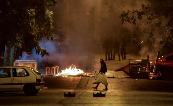 Μολότοφ και βανδαλισμοί σε Αθήνα και Θεσσαλονίκη