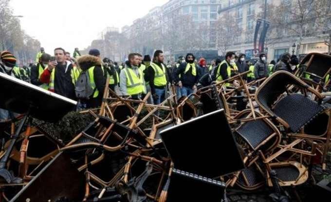 """Γαλλία: 65 τραυματίες από τις σημερινές διαδηλώσεις των """"κίτρινων γιλέκων"""""""