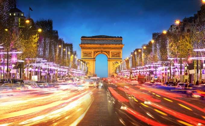 Η Γαλλία αναβάθμισε τις προβλέψεις της για την ανάπτυξη για φέτος και το 2018