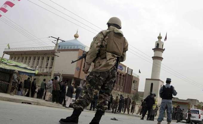 Αφγανιστάν: Έκρηξη παγιδευμένου αυτοκινήτου, ανταλλαγή πυρών έξω από υπουργείο στην Καμπούλ