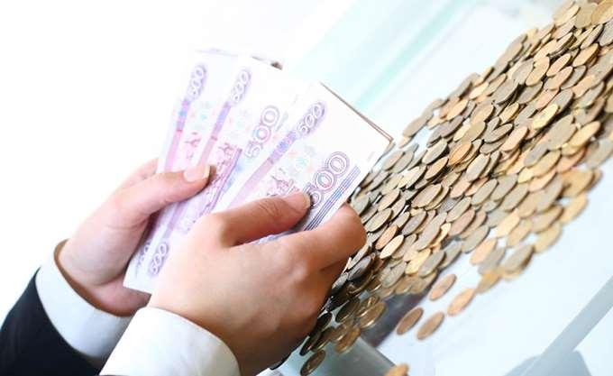 Το όριο των 68 ρουβλίων ξεπέρασε το δολάριο