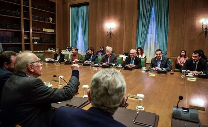 """Ο Τσίπρας συγκαλεί υπουργικό για """"επανεκκίνηση"""" μετά τον Καμμένο"""