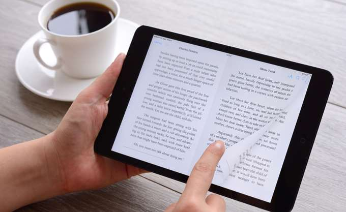 Μειώθηκαν, ξανά, τα έσοδα από τις πωλήσεις των ψηφιακών βιβλίων στις ΗΠΑ