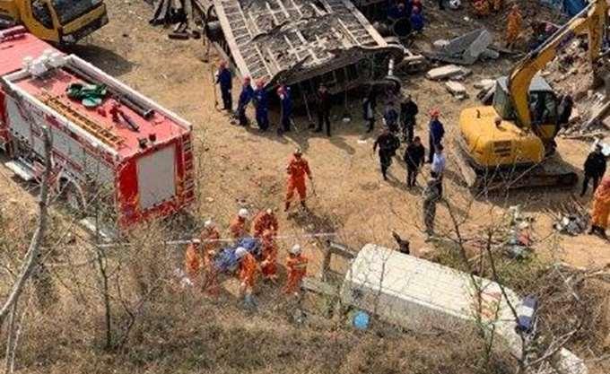 Κίνα: Τραίνο εκτροχιάστηκε και καταπλάκωσε σπίτι- Έξι νεκροί